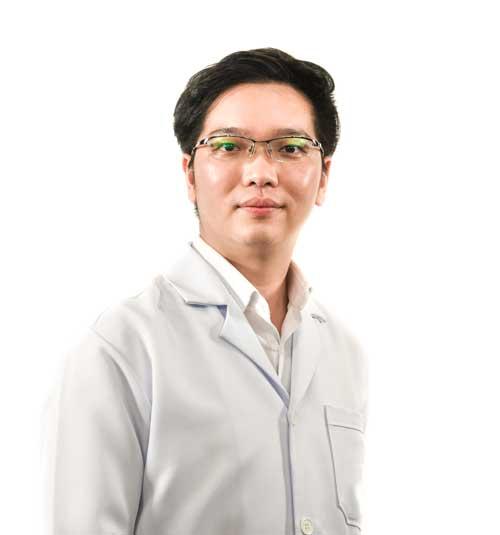 Dr.Pranai Nakaparksin